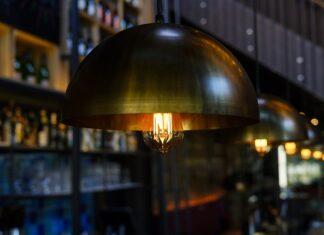 Lampy sufitowe do orientalnego salonu